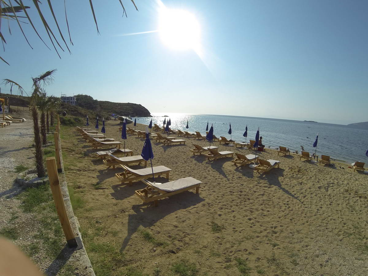 Beach of Mama 10