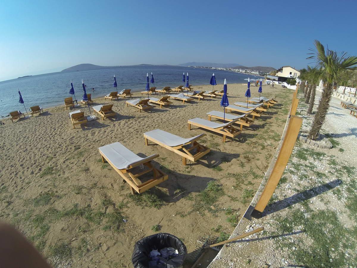 Beach of Mama 11