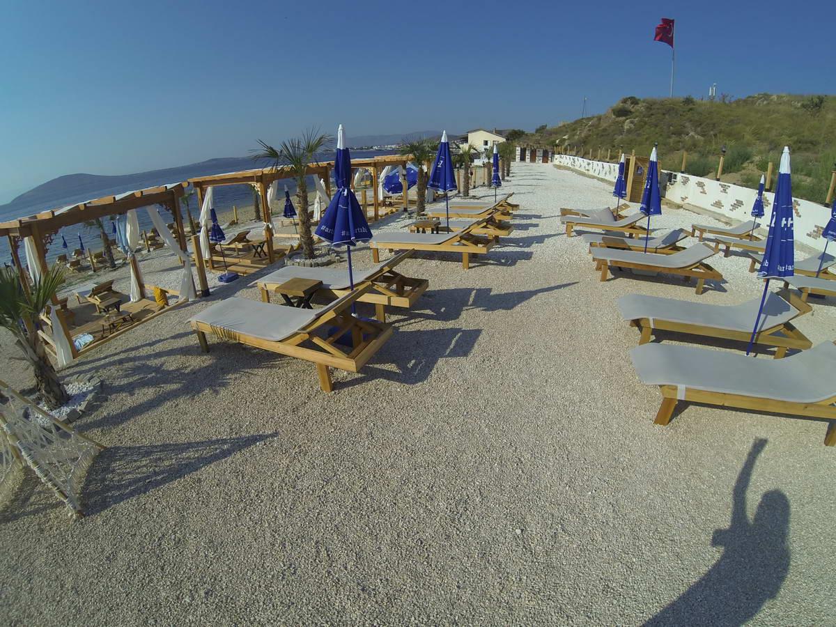 Beach of Mama 2