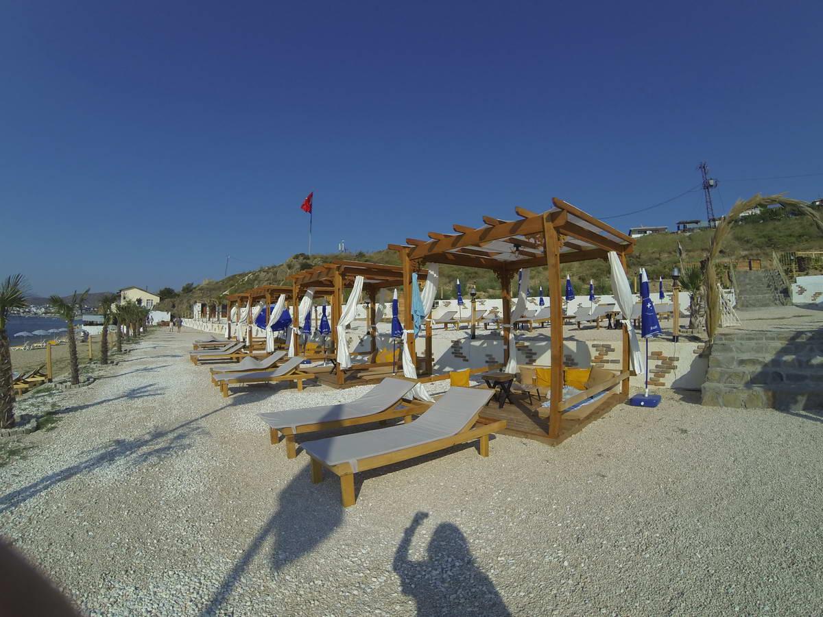 Beach of Mama 8