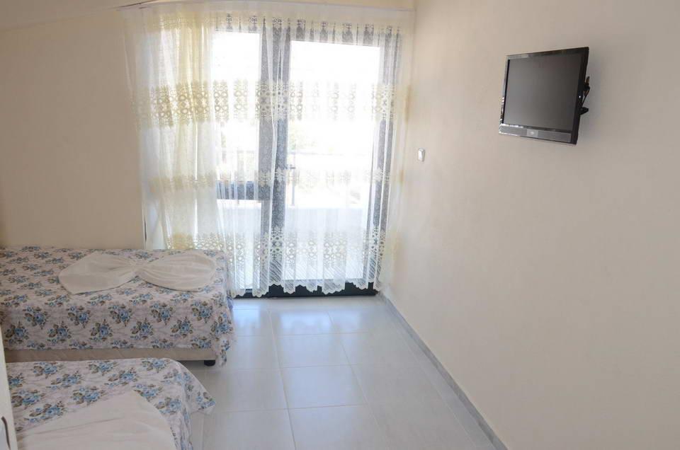 Temel Motel 8